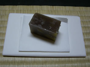 kaishi paper with omogashi sweets